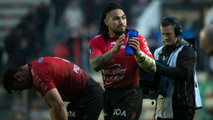 Ma'a Nonu on his debut for Toulon