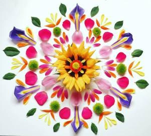Easter Flower Mandala ©Emma Tuzzio