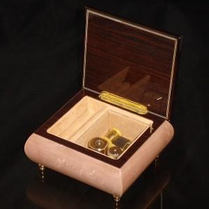 Italian Jewelry Box Light Pink 17CF opened no cover