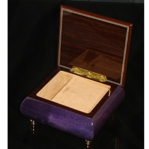 Italian Jewelry Box Plum 17CF opened