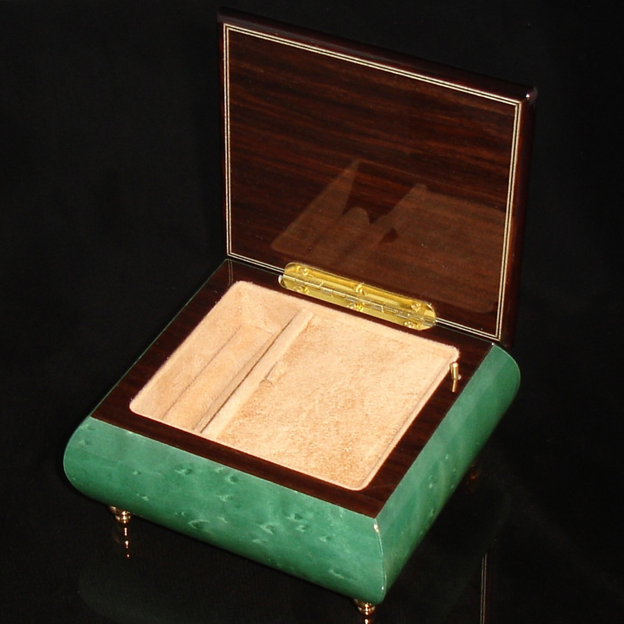 Italian Jewelry Box Green 17CVM opened
