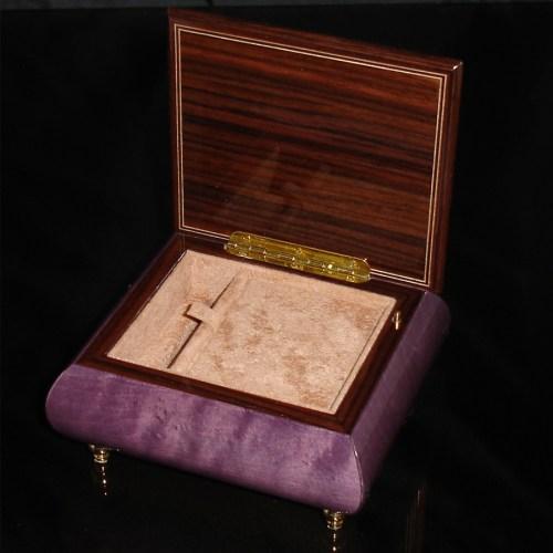 Italian Jewelry Box Plum 17CVM opened