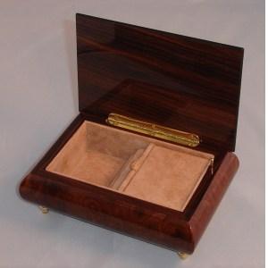 Italian Jewelry Box Burl Elm 04CO opened