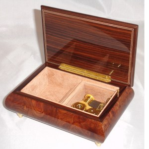 Italian Jewelry Box Butterfly Elm 62 opened no cover