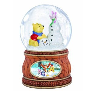 Pooh and Piglet Winter snow globe