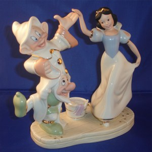 Snow White and Dwarfs Dancing right-view