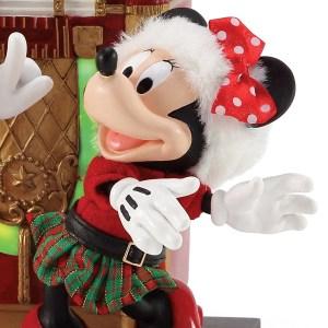 Minnie-Jingle-Bell-Swing-close-up