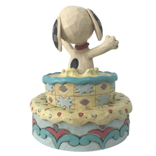 Snoopy-Birthday-Cake-back-view