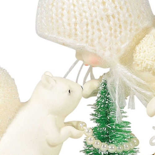 Snowbaby-The-Littlest-Tree-close-up