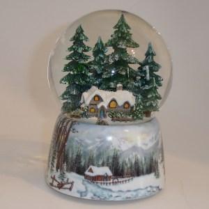 Winter-Cabin-Snow-Globe