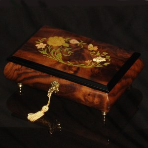 Italian-Inlay-Musical-Jewelry-Box-Burl-Walnut-Pink-Interior