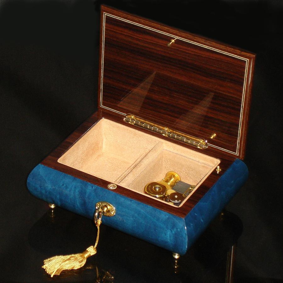 Italian-Inlay-Musical-Jewelry-Box-Heart-Dark-Blue-open-no-cover