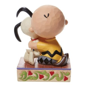 Charlie-Hugs-Snoopy-back-view