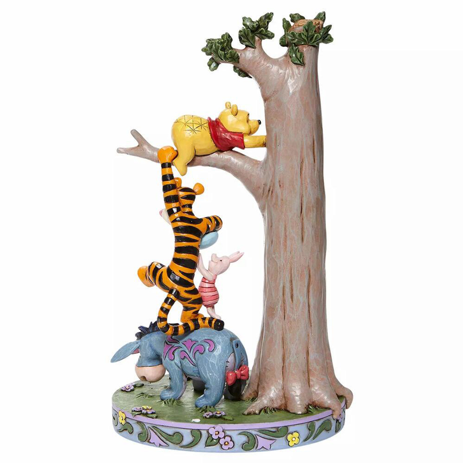 Winnie-the-Pooh-in-Tree-back-view