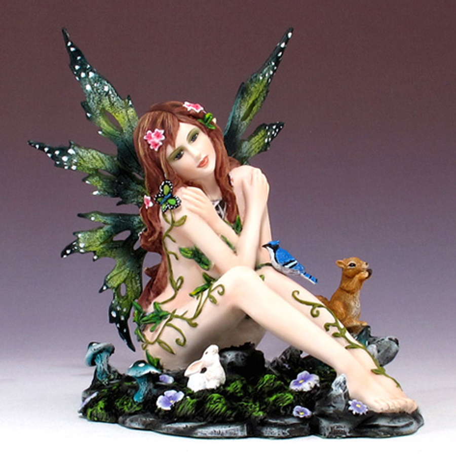 Sitting-Fairy-with-Animals