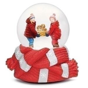 Kids-with-Puppies-Snow-Globe