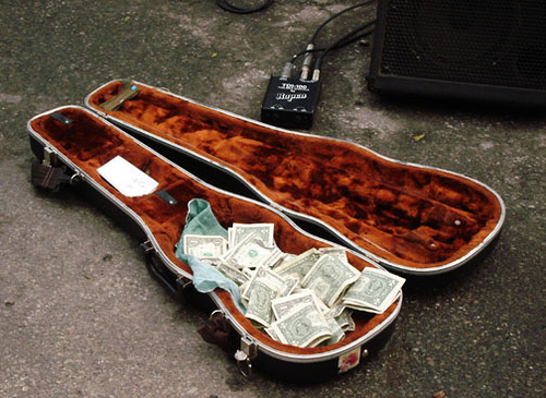 How to get paid tips while playing gigs