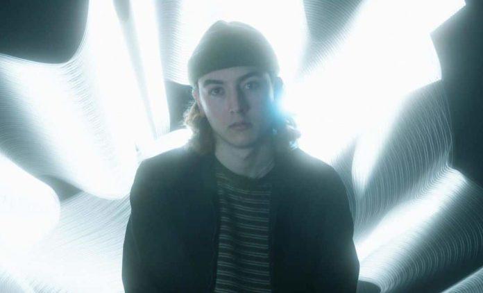 "FrostTop Breaks off Spellbinding Dubstep Vibes on ""Dream State"" Single"
