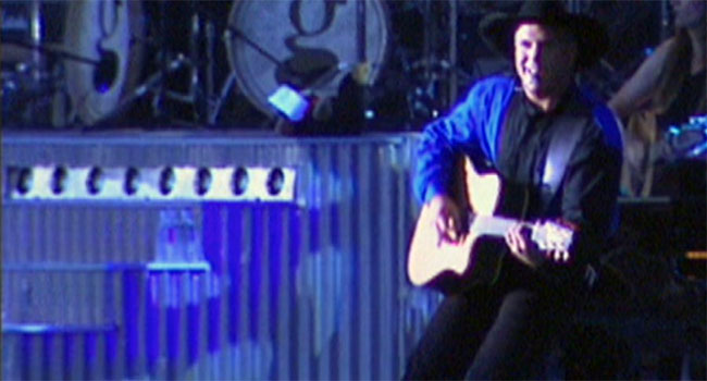 Garth Brooks looks back 20 years at Central Park concert