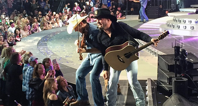 Garth Brooks sells more than 100k tickets for Minneapolis