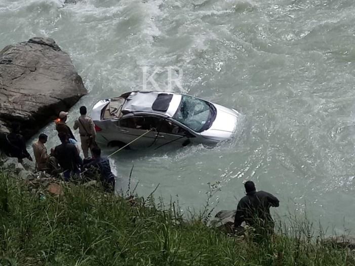 Three injured in Pahalgam accident