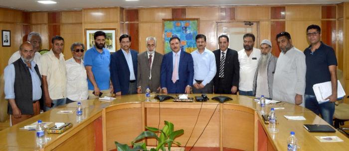 KTMF delegation calls on Chairman J&K Bank