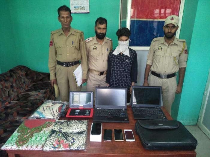 Srinagar police solves theft cases: accused arrested