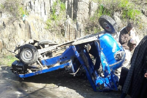 One dead, two injured in north Kashmir road mishap