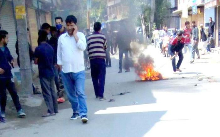 Bandipora minor's rape : Protests erupt in several Srinagar areas