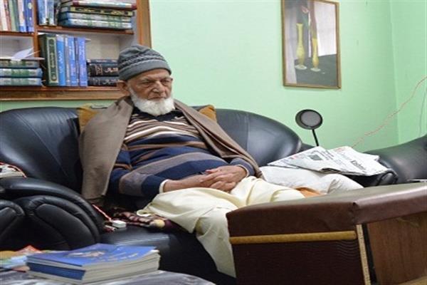 Observe Juma-tul-Vida as Palestine and Kashmir Day: Geelani