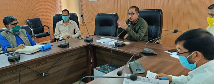 Director Horticulture reviews the functioning of deptt