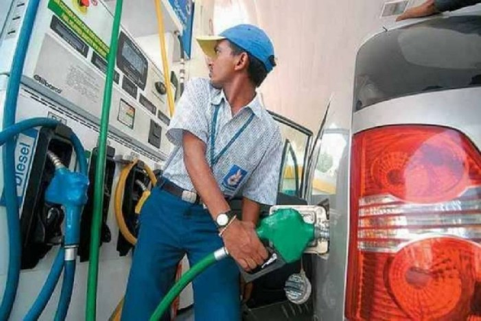 Diesel prices fell by 40 paise/litre in two days as global crude plunged