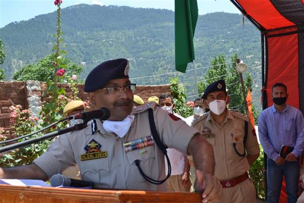 DGP visits Doda, Kathua reviews Security scenario, measures to combat COVID-19