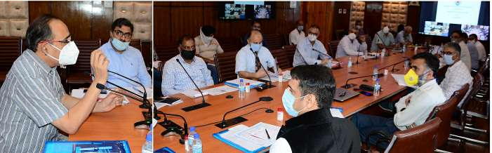 Rohit Kansal reviews implementation of CSSs in Kashmir Division