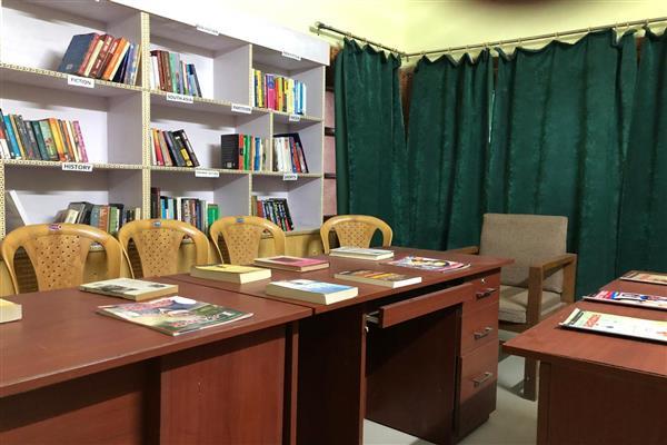 Kashmir Press Club establishes library, gym centre to its members