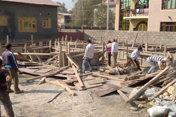 LAWDA continues demolition drive against illegal constructions
