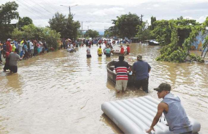 Storm wreaks havoc in Central America, leaves eight dead