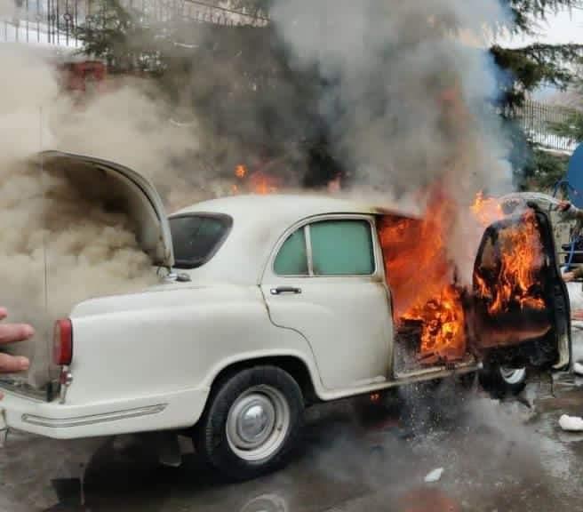 IG CRPF's bulletproof vehicle damaged in blaze on Gupkar road