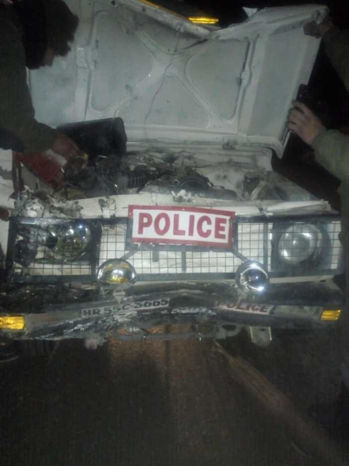 CRPF officer sustains critical injuries in road mishap in south Kashmir
