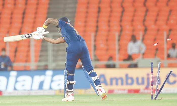 Buttler blitz trumps Kohli as England reclaim series lead
