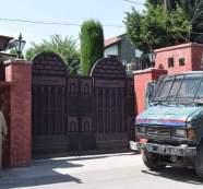 Several injured in Friday clashes near Jamia Masjid as Mirwaiz not allowed to offer prayers