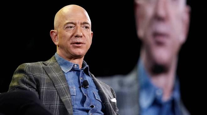 Amazon founder Bezos to step down as CEO