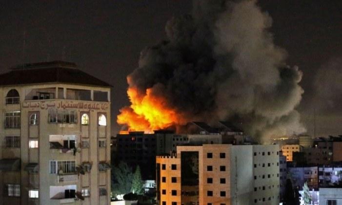 48 killed in Gaza as Israel air strikes intensify