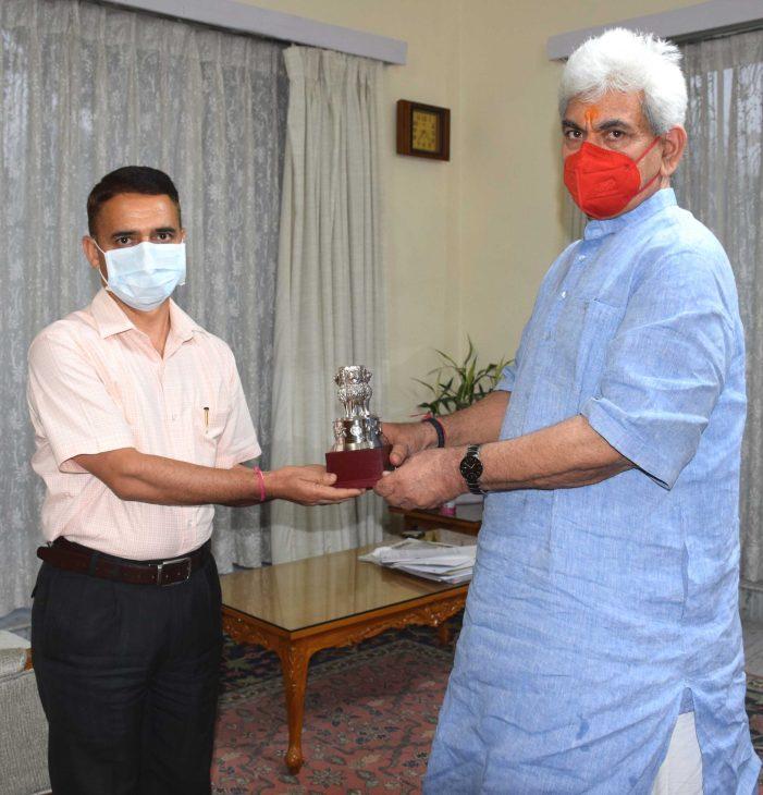 Raj Bhavan bids farewell to its Special Secretary