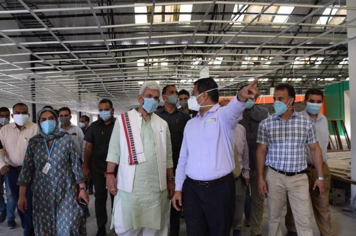 Lt Governor visits DRDO's 500-bedded under-construction Covid Hospital at Khonmoh