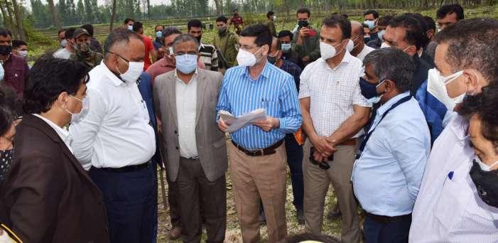 Div Com visits DRDO 500- bedded Covid hospital site at B'gam