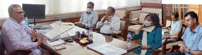 Advisor Khan discusses revival model for JKHPMC with a Mumbai based Consultancy firm