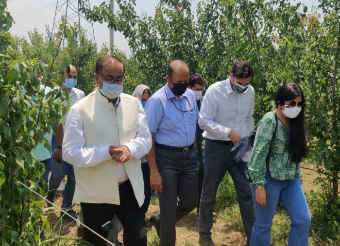 Union Additional Secretary inspects functioning of Centre of Excellence at Zawoora