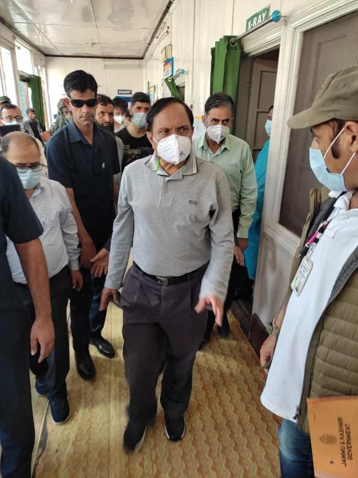 Advisor Bhatnagar visits Sub-District Hospital, NTPHC Pahalgam