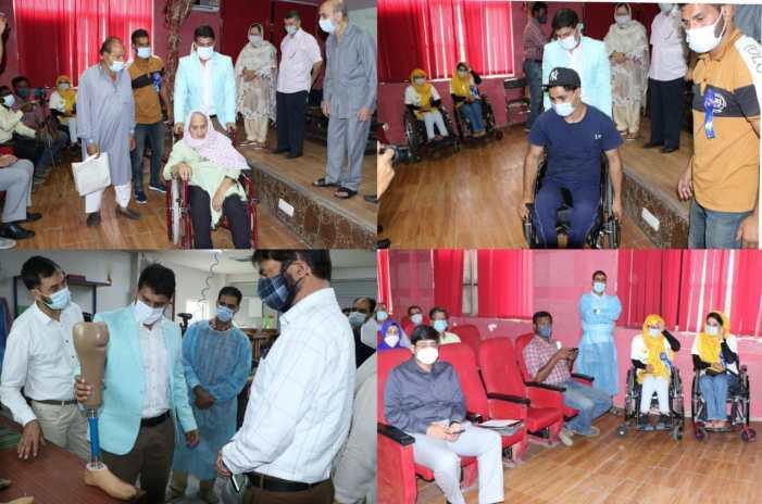 DC Srinagar inaugurates workshop for specially abled persons at Bemina